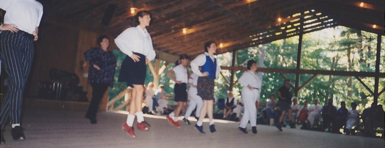 Pinewoods - English Clogging - English country dance